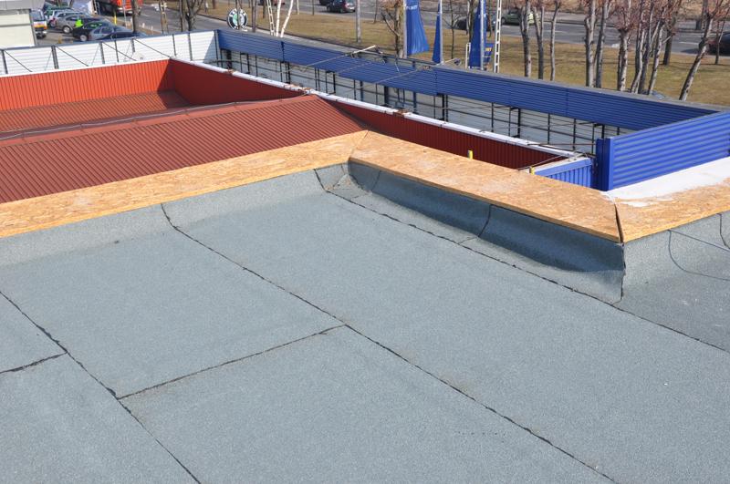 Siedziba Banku BPH Euro Office Park przy ul. Leszczynowej w Gdańsku. Dachy płaskie, dachy zielone, izolacje fundamentów, izolacja hal garażowych. Ilość papy ok. 40000 m2.
